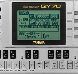 Yamaha QY70 01