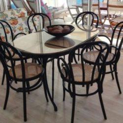 mesa y sillas1